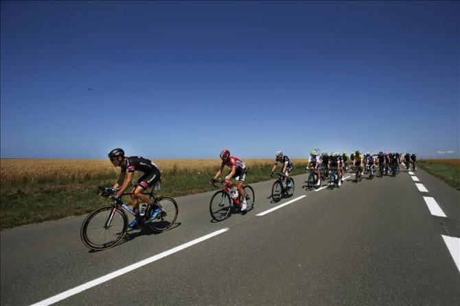 El ciclista francés Warren Barguil (i), del equipo Giant-Alpecin.
