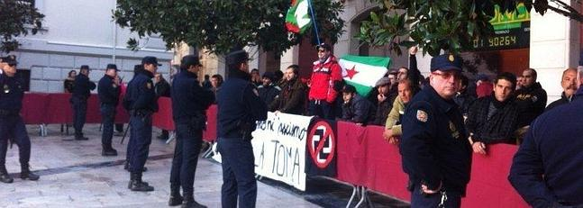Manifestantes ultraizquierdistas, en contra de la celebración de la Toma de Granada.