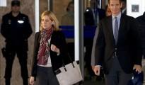 La infanta Cristina y su esposo, Iñaki Urdangarín (d), a su salida de la sala del juicio del caso Nóos.