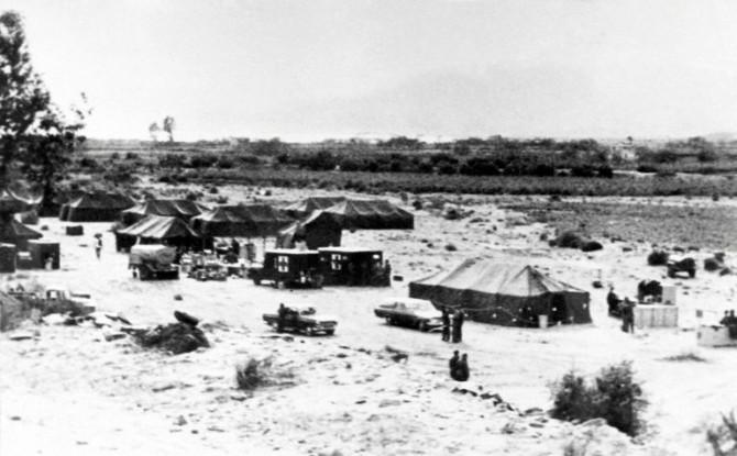 Imagen tomada en enero de 1966 en un campo militar del área afectada por la bomba US B-52G en Palomares del Río