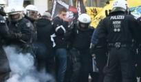La Policía alemana intenta disolver una marcha convocada por Pegida contra los sucesos de Nochevieja.