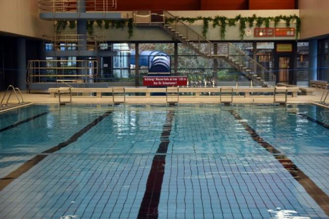 La piscina municipal de Bornheim, cerca de Bonn, en el oeste de Alemania, en una imagen del 15 de enero de 2016