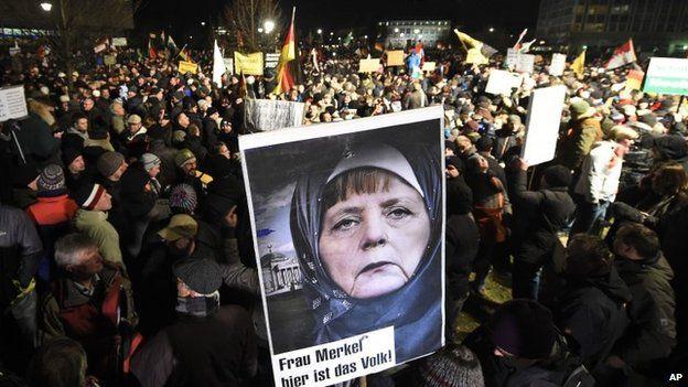 Manifestantes alemanes culpan a Merkel de la progresiva islamización del país
