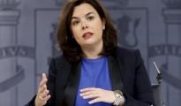 La vicepresidenta del Goberno en funciones, Soraya Sáenz de Santamaría, durante la rueda de prensa posterior a la reunión del Consejo de Ministros hoy en La Moncloa.