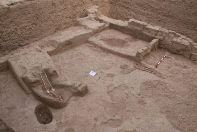 Fotografía no fechada facilitada por el Museo de Tumbas Reales de Sipan en la que se ve parte del templo usado para sacrificar mujeres hallado en la región de Lambayeque, 790 km al norte de Lima