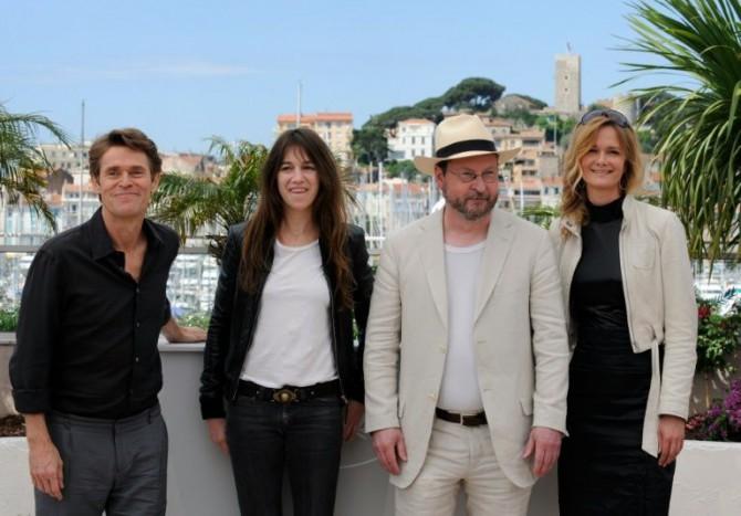 Willem Dafoe, Charlotte Gainsbourg, Lars Von Trier y Meta Louise Foldager el 18 de mayo de 2009 en Cannes