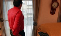 José Antonio, en su casa, durante la entrevista.