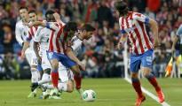 Imagen de la final de Copa en 2013 entre Madrid y Atlético, la última que se disputó en el Bernabéu.