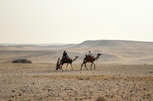 Los turistas evitan las pirámides de Egipto