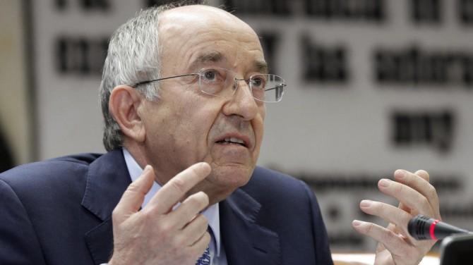 Miguel Ángel Fernández Ordóñez, durante su comparecencia ante la comisión de Presupuestos del Senado, en 2012.