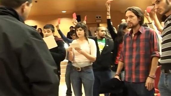 Pablo Iglesias, entre los participantes en el escrache a Rosa Díez
