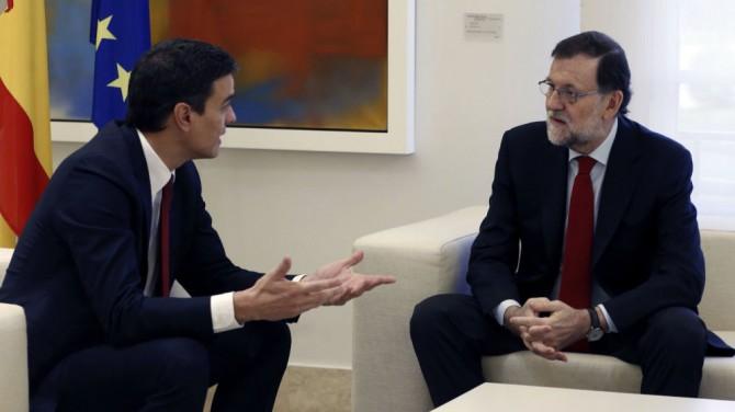 Mariano Rajoy y Pedro Sánchez, en Moncloa, en diciembre.