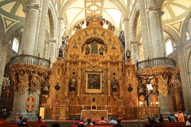 Esta portentosa obra resumen el arte de toda la época colonial española.
