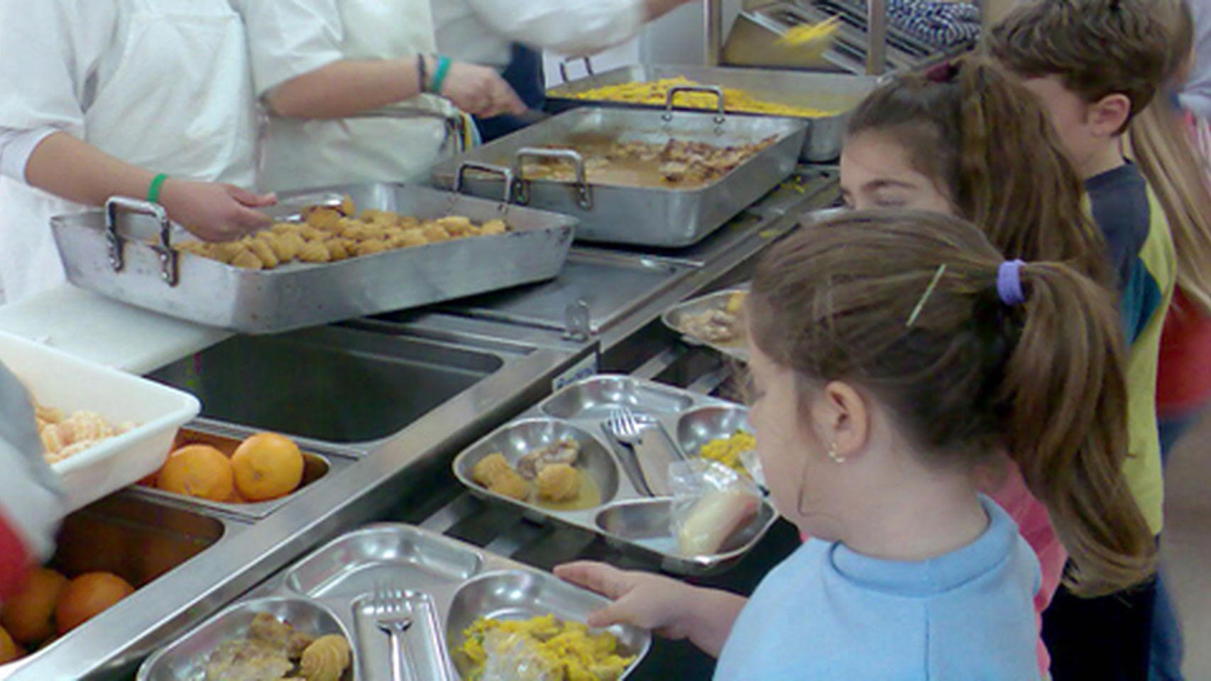 El pp cifra en 200 millones un fraude en los comedores for Empresas comedores escolares