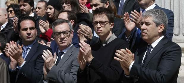 El Congreso guarda un minuto de silencio por los atentados de Bruselas