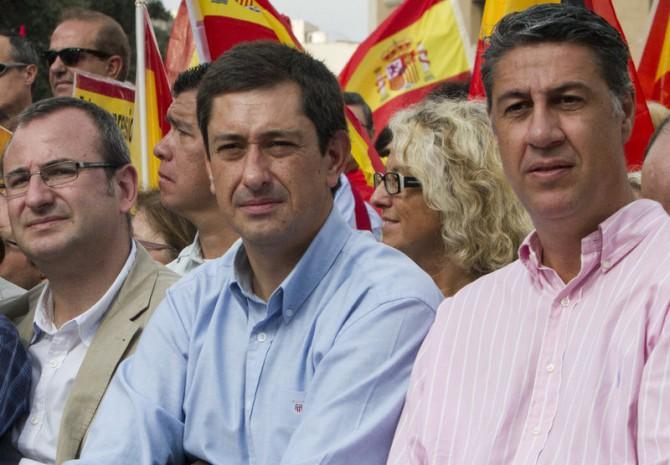 Alberto Villagrasa, a la izquierda y Javier García Albiol, a la derecha. En el centro, un tal Antonio Gallego, exdiputado.