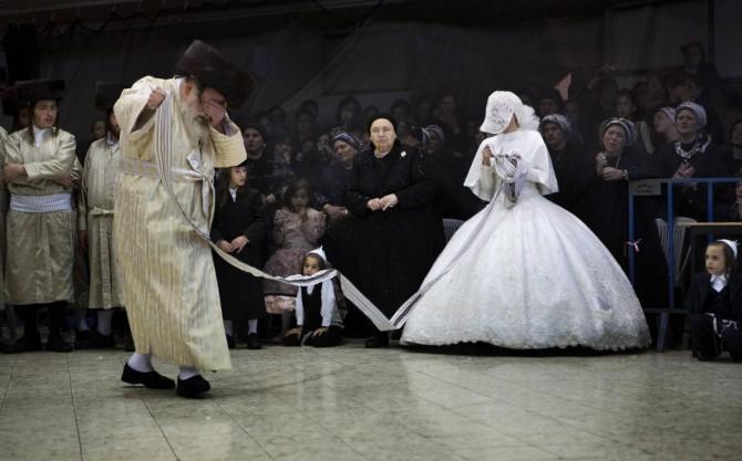 La maldición de las judías  encadenadas  por el matrimonio en Israel 89512fdfefcd0