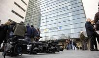 Periodistas ante la Ciudad de la Justicia de Valencia, donde se ha celebrado el jucio