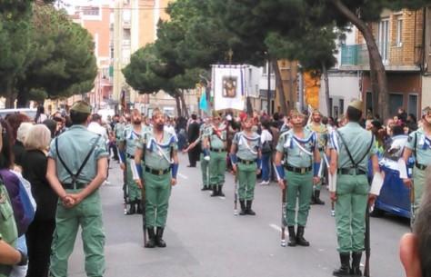 Desfile de legionarios en Hospitalet