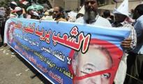 Manifestantes egipcios se manifiestan contra Ahmed el-Zend.