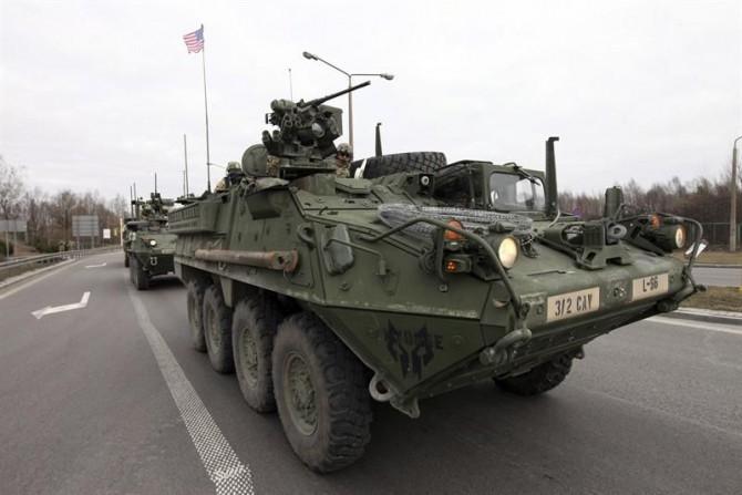 Imagen de archivo de un vehículo militar blindado.