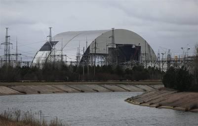 Esta estructura reemplazará al viejo sarcófago construido siete meses después de la tragedia, para resguardar la tumba radioactiva en que se convirtió el reactor nuclear. Durará unos 100 años.