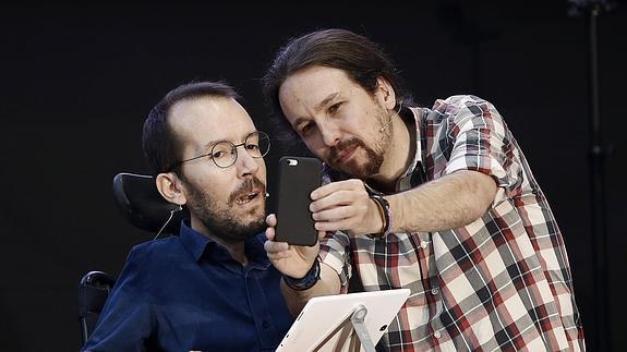 Pablo Echenique y Pablo Iglesias.