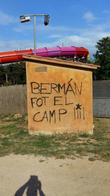 Pintadas contra Bermán en Palafolls.