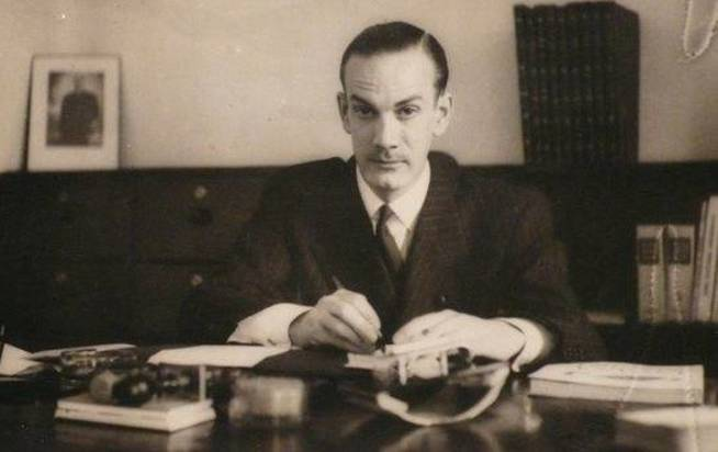 El joven Camilo José Cela.