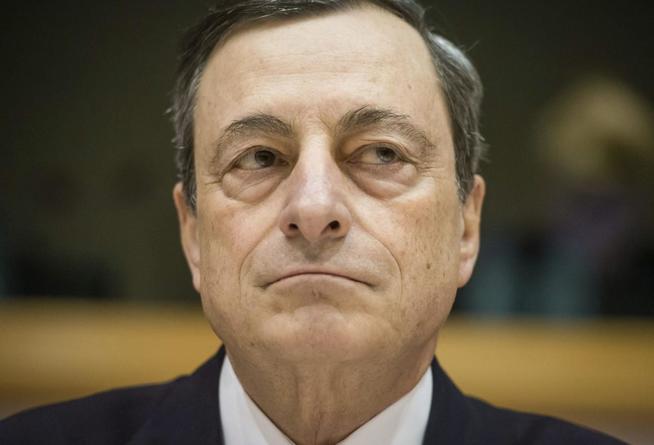El BCE de Draghi 'traga' con los incumplimientos para evitar un Gobierno populista.