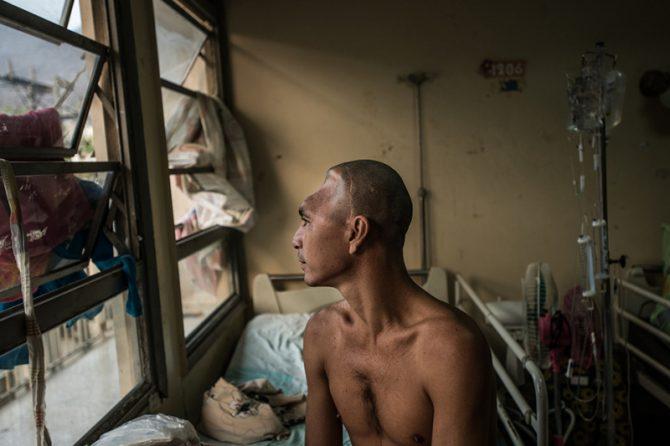 Los de Venezuela parecen hospitales de campaña en un país donde no hay guerra.