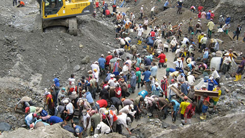 El mundialismo económico impone sus reglas: Poblaciones indígenas de toda Iberoamérica viven hoy en condiciones de esclavitud.