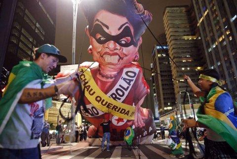 Las manifestaciones contra el gobierno de Rousseff se volvieron muy habituales.