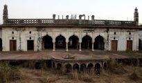 Fotografía del palacio Taj Mahal de Bhopal (India). El otro Taj Mahal de la India espera desde hace años a que alguien lo rescate del olvido en la ciudad de Bhopal, donde este palacio antes esplendoroso está cerrado al turismo mientras espera un plan que lo salve de la ruina convirtiéndolo en un hotel de lujo.