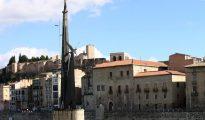 """La consulta ciudadana celebrada hoy en Tortosa se ha saldado con una clara a favor de mantener el monumento franquista ubicado en el Ebro a su paso por la ciudad, con el 68,36% de los votos (5.755) mientras que los partidarios de retirar el monumento para """"musealizarlo para promover la memoria histórica y la paz"""" ha quedado con un 31,25% (2.631 votos)."""