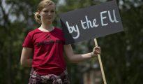 Una joven en contra del resultado del Brexit el 23 de junio de 2016.