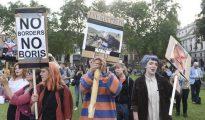 Manifestantes contrarios al Brexit.