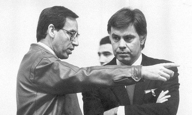 Alfonso Guerra y Felipe González, a principios de los años 90.