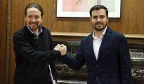 Pablo Iglesias y Alberto Garzón, durante una reunión en el Congreso de los Diputados.