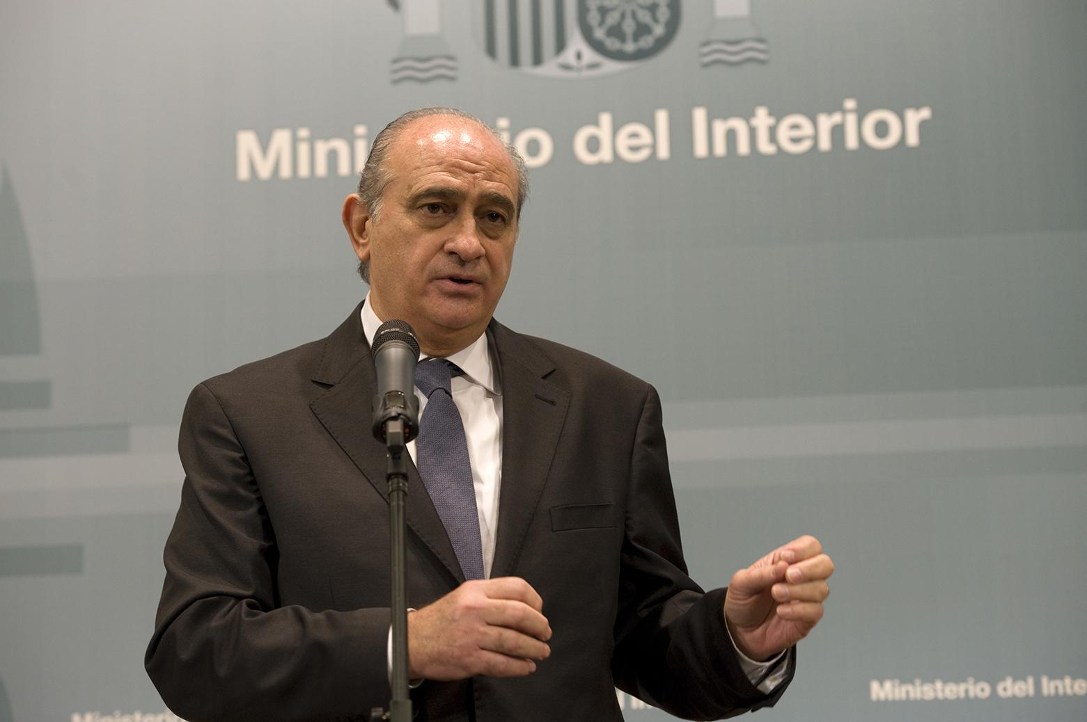 Jorge fern ndez d az ministro del interior en funciones for Ministro del interior espana 2016