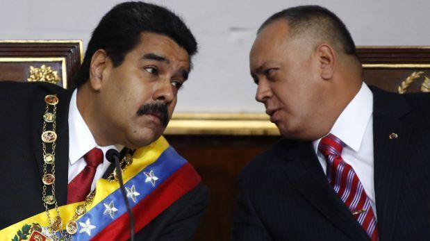 Nicolás Maduro, presidente de Venezuela, junto a Diosdado cabello, presidente de la Asamblea nacional. Son los dos hombres fuertes del chavismo.