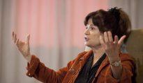 Carolyn Porco, líder del equipo de ciencia de imagen de la misión Cassini a la órbita de Saturno.