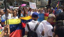Venezolanos residentes en España advierten del peligro de Podemos.