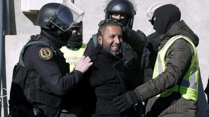Un yihadista detenido por la Guardia Civil en Cataluña.