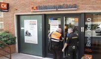 Oficina de la Caixa en Barcelona donde un hombre ha dejado en estado crítico a la directora de esta oficina.