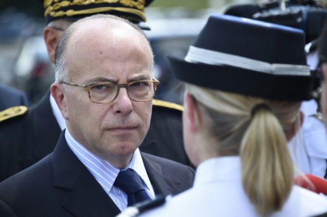 El ministro del Interior francés, Bernard Cazeneuve, el 8 de julio de 2016 durante un evento sobre seguridad vial al sur de París