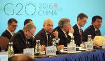 El secretario de Comercio en funciones de España, Jaime García-Legaz (primera fila-2i), durante la reunión de ministros de Comercio del G20 que se celebra hoy en Shanghái, preparatoria para la Cumbre de Hangzhou del G20 de septiembre próximo.