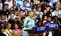 La aspirante presidencial demócrata Hillary Clinton durante un acto de campaña en la Universidad Internacional de Florida el 23 de julio de 2016 en Miami