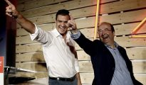 """Pedro Sánchez y Miguel Iceta, uno de los """"barones"""" que apoyan que el líder socialista se presente a la investidura."""