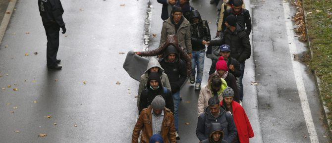 Se prevé que la inmigración neta anual que registre Europa crezca a un ritmo de un millón y medio de personas en los próximos 20 años.